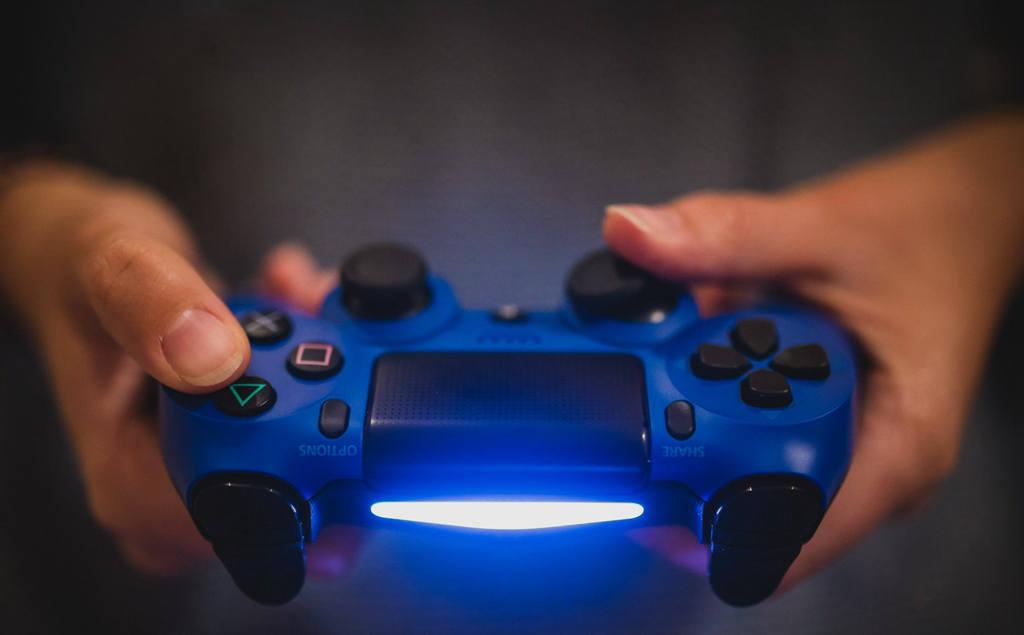อีมูเลเตอร์แอนดรอยด์สำหรับวินโดว์  เล่นเกมมือถือบนเดสก์ท็อป